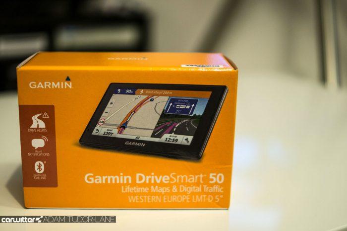 Garmin DriveSmart 50 Review Box Close carwitter 700x465 - Garmin DriveSmart 50 Review - Garmin DriveSmart 50 Review