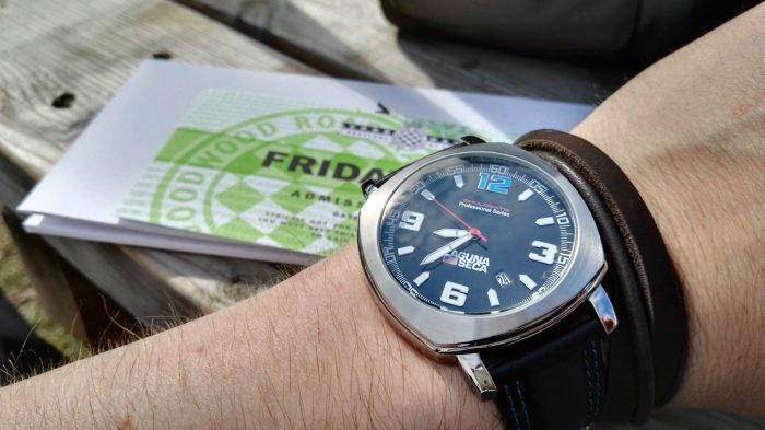 Omologato Watch Review Wristie Carwitter 700x393 - Omologato Watch Review - The drivers timepiece - Omologato Watch Review - The drivers timepiece