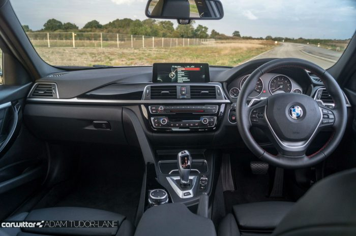 2016 BMW 330e eDrive Review Dashboard carwitter 700x465 - BMW 330e Review - The future of motoring - BMW 330e Review - The future of motoring