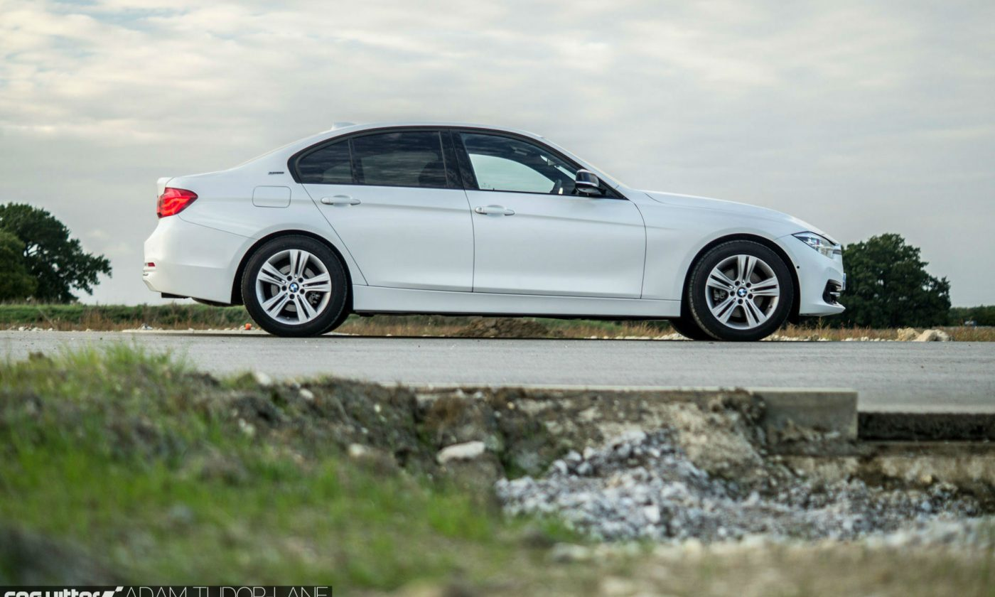 2016 BMW 330e eDrive Review Side carwitter 1400x840 - BMW 330e Review - The future of motoring - BMW 330e Review - The future of motoring