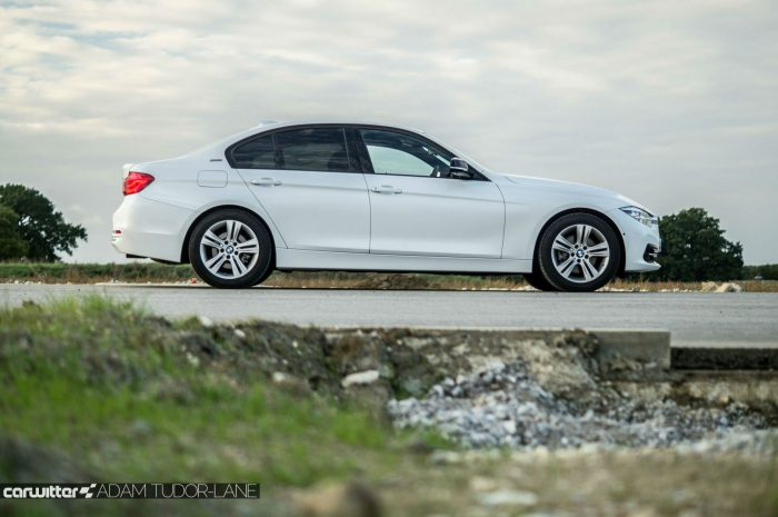 2016 BMW 330e eDrive Review Side carwitter 700x465 - BMW 330e Review - The future of motoring - BMW 330e Review - The future of motoring
