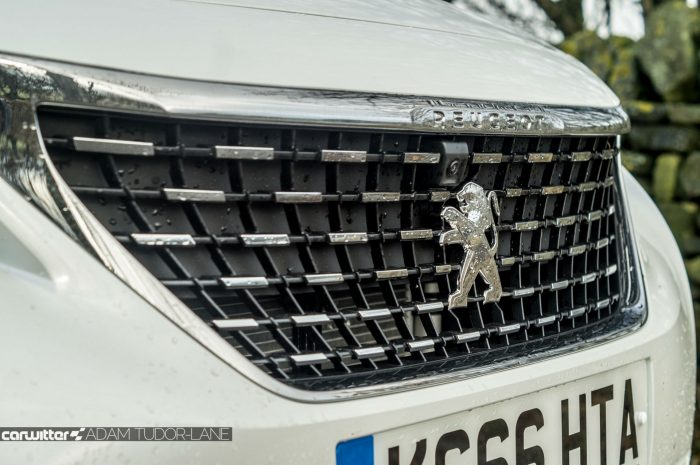 2016-peugeot-3008-suv-review-front-grille-carwitter