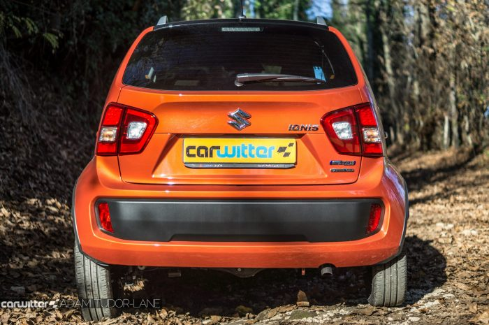 2016-suzuki-ignis-review-rear-carwitter
