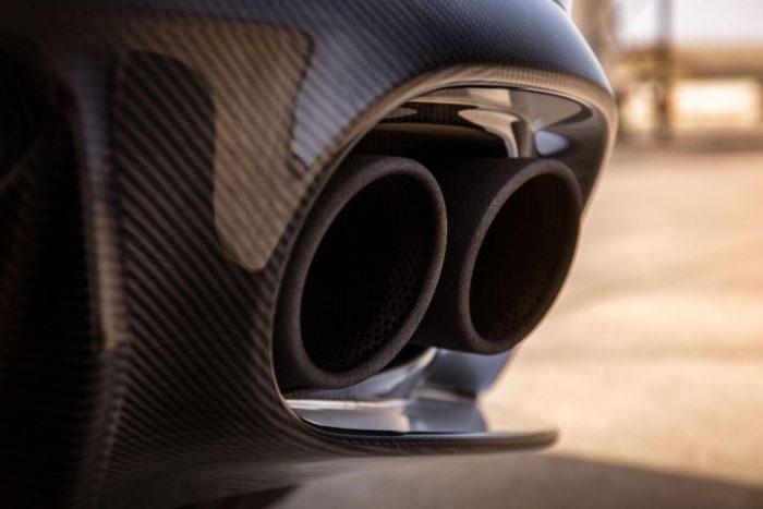 aston-martin-vanquish-s-exhaust-detail