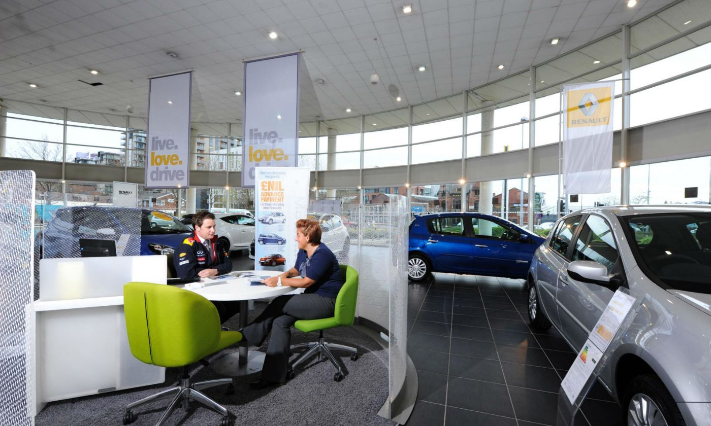 Car Finance Dealership carwitter 1400x840 - What Are Your Options When Buying A Car? - What Are Your Options When Buying A Car?