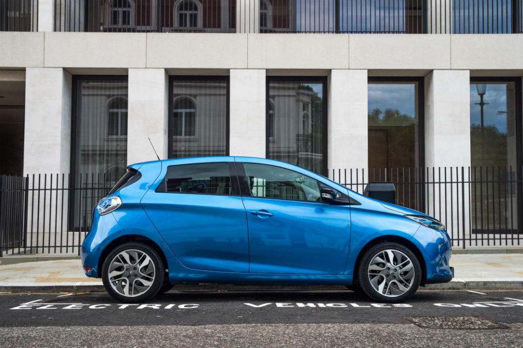 Renault Zoe 2017 Side - A Beginner's Guide To Electric Cars - A Beginner's Guide To Electric Cars