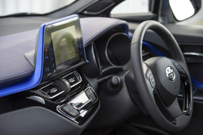 Toyota C HR Review Sat Nav Infotainment carwitter 700x466 - Toyota C-HR Review - Toyota C-HR Review