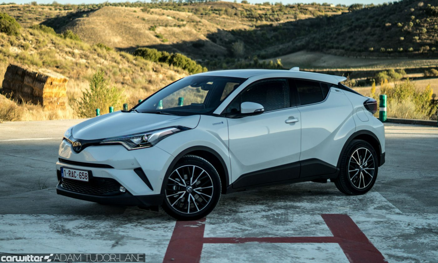 Toyota C HR Review Side Angle carwitter 1400x840 - Toyota C-HR Review - Toyota C-HR Review