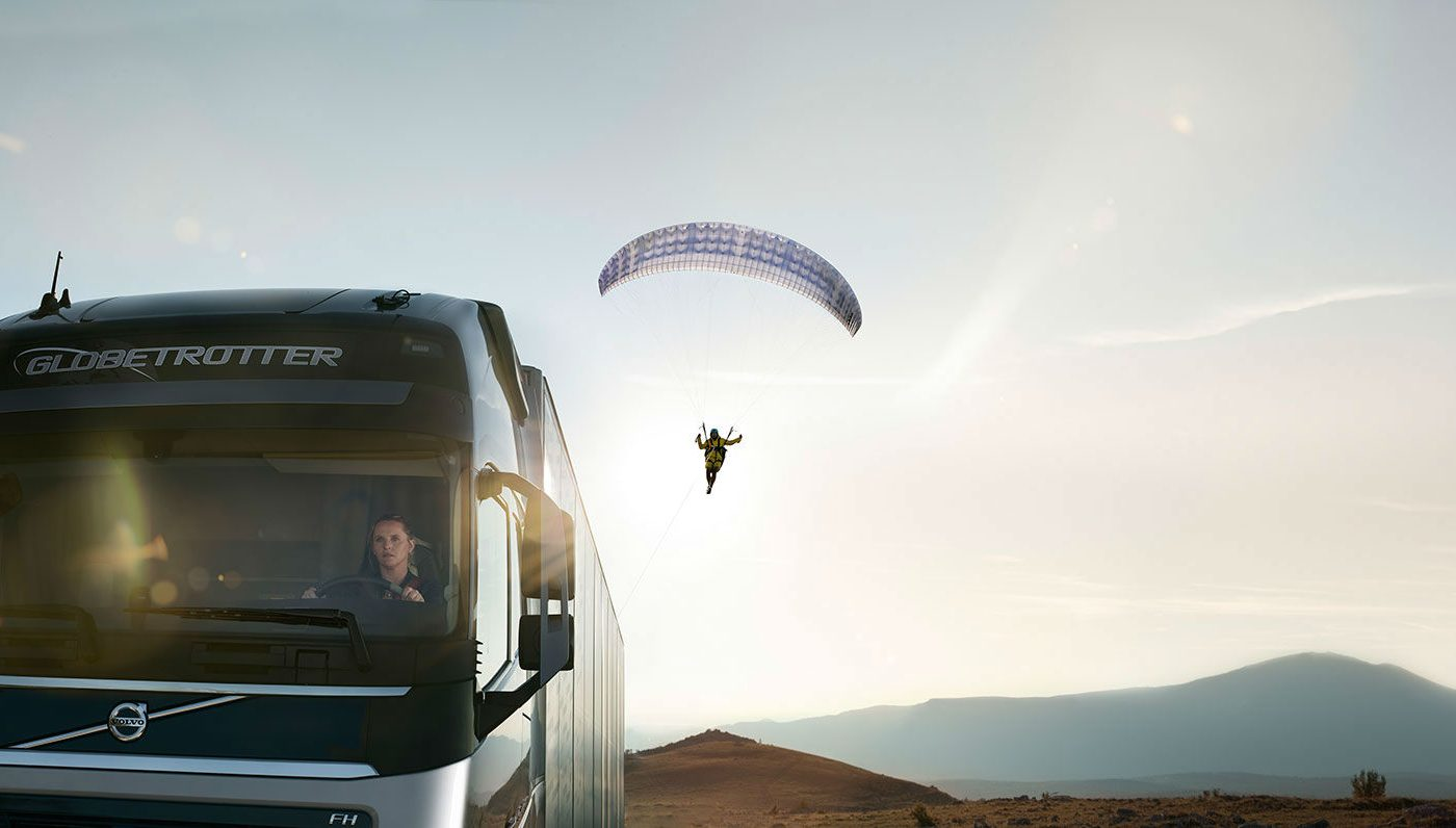 Volvo Hero paraglider carwitter 1400x796 - Volvo Trucks - The Flying Passenger - Sponsored - Volvo Trucks - The Flying Passenger - Sponsored