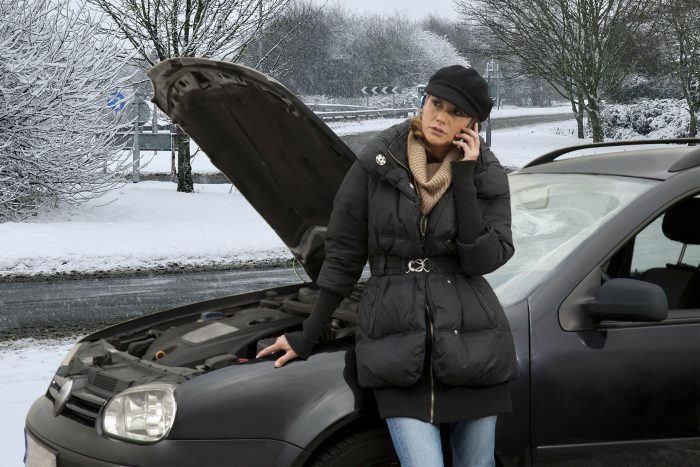 Winter Car Breakdown 2 carwitter 700x467 - Four Essentials You Need For Your Car - Four Essentials You Need For Your Car