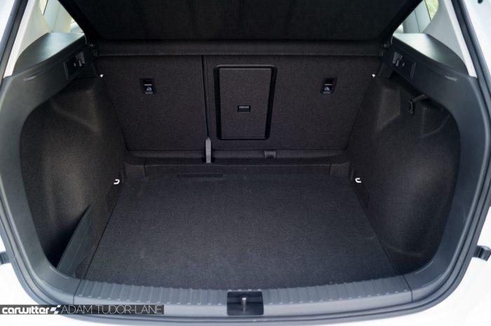 2017 SEAT Ateca Review Boot carwitter 700x465 - SEAT Ateca Review UK - SEAT Ateca Review UK