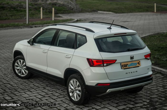 2017 SEAT Ateca Review Rear Angle Close carwitter 700x465 - SEAT Ateca Review UK - SEAT Ateca Review UK