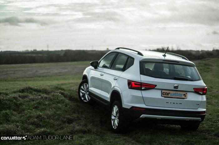 2017 SEAT Ateca Review Rear Scene carwitter 700x465 - SEAT Ateca Review UK - SEAT Ateca Review UK