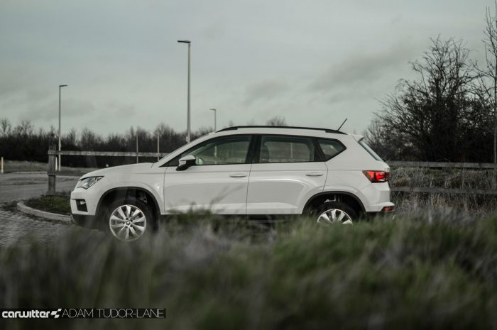 2017 SEAT Ateca Review Side Scne carwitter 700x465 - SEAT Ateca Review UK - SEAT Ateca Review UK