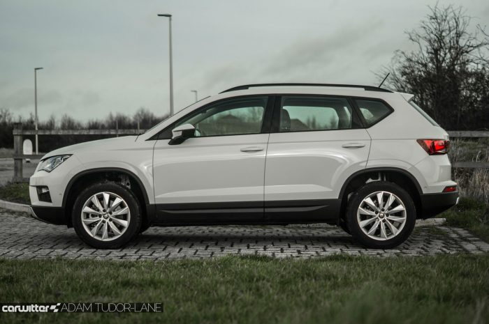 2017 SEAT Ateca Review Side carwitter 700x465 - SEAT Ateca Review UK - SEAT Ateca Review UK