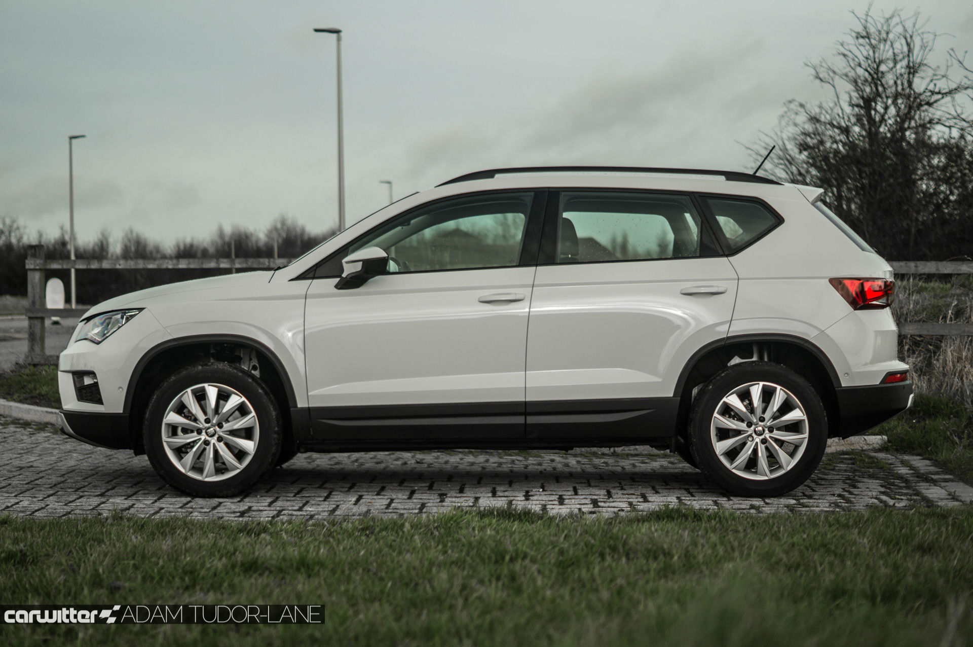 seat ateca review uk carwitter. Black Bedroom Furniture Sets. Home Design Ideas