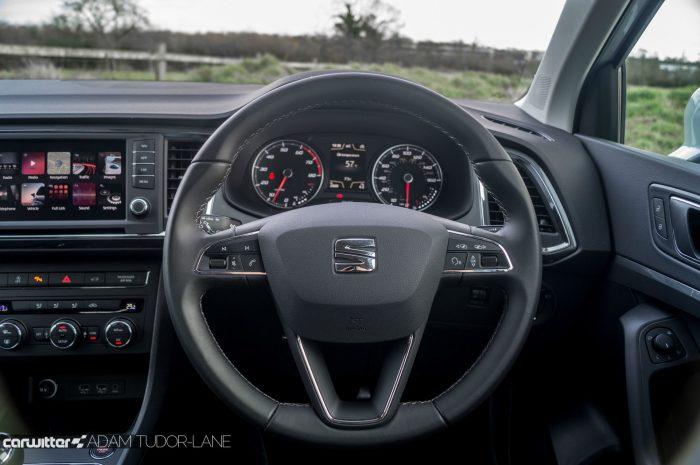 2017 SEAT Ateca Review Steering Wheel carwitter 700x465 - SEAT Ateca Review UK - SEAT Ateca Review UK