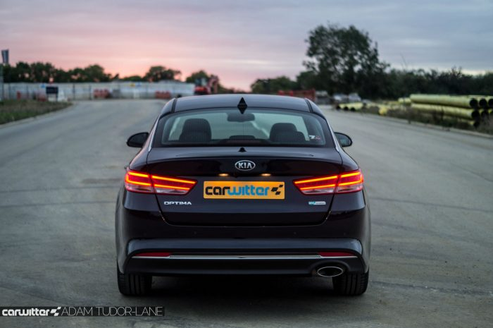 2016 Kia Optima Review Rear Close carwitter 700x465 - Kia Optima Review 2016 UK - Kia Optima Review 2016 UK