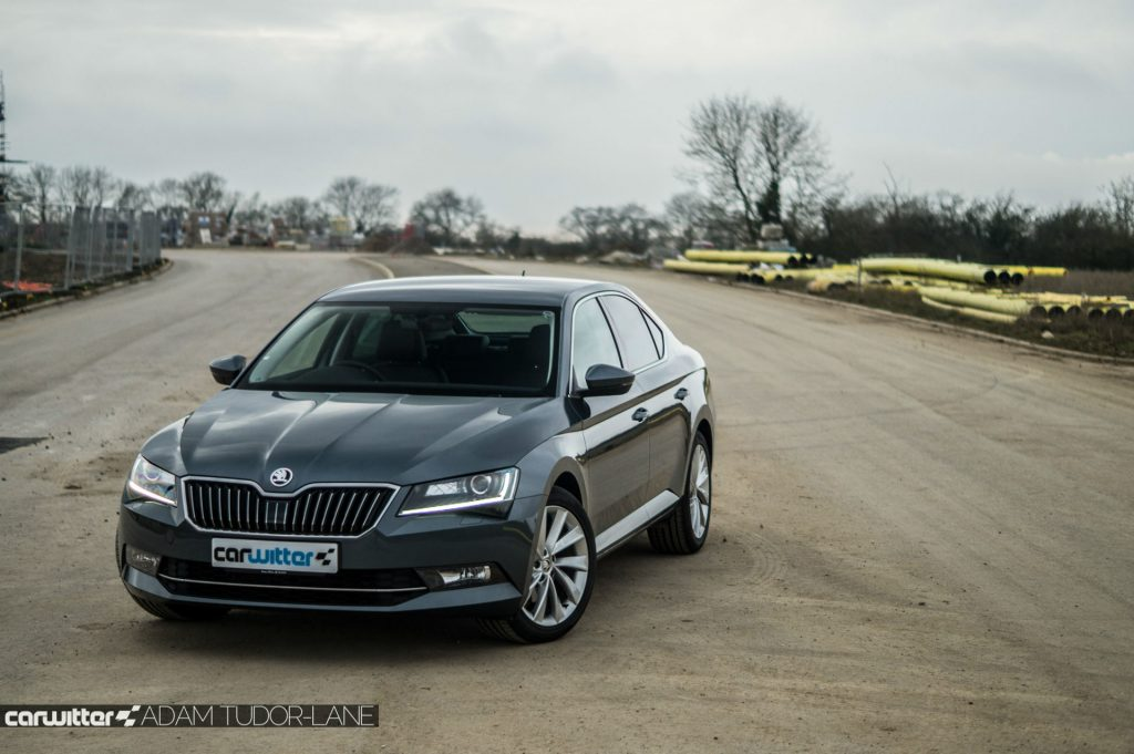 2017 Skoda Superb Review Front Angle carwitter 1024x681 - Skoda Superb Hatcback Review - Skoda Superb Hatcback Review