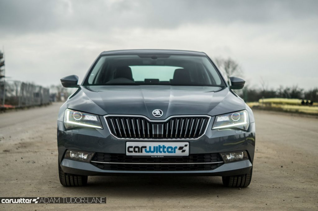 2017 Skoda Superb Review Front Low carwitter 1024x681 - Skoda Superb Hatcback Review - Skoda Superb Hatcback Review