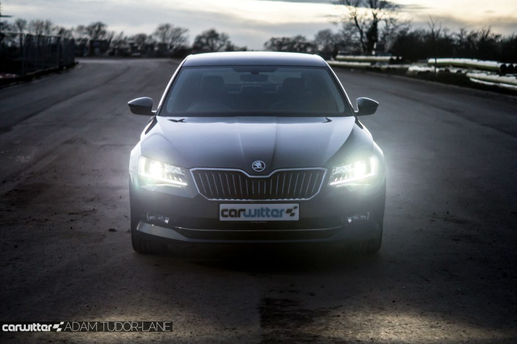 2017 Skoda Superb Review N Front carwitter 1024x681 - Skoda Superb Hatcback Review - Skoda Superb Hatcback Review