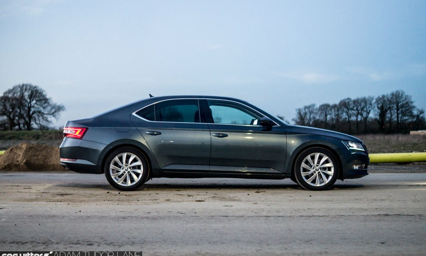 2017 Skoda Superb Review Side carwitter 1400x840 - 3 Important Reasons to Invest in a Company Vehicle - 3 Important Reasons to Invest in a Company Vehicle