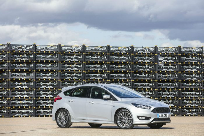 Ford Focus ST Line Side carwitter 700x467 - Is A Ford Focus A Safe Investment? - Is A Ford Focus A Safe Investment?