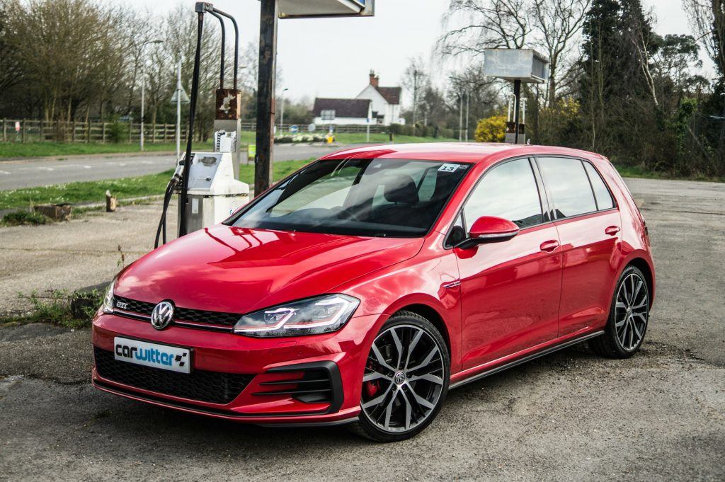 2017 Volkswagen Golf GTi Review Front Angle carwitter 1024x681 - VW Golf GTi Review 2017 - VW Golf GTi Review 2017