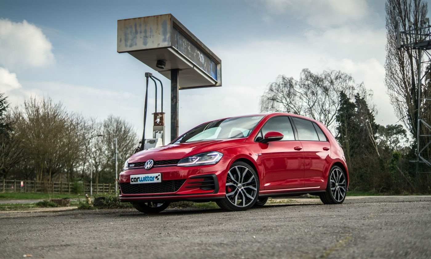 2017 Volkswagen Golf GTi Review Main Low carwitter 1400x840 - VW Golf GTi Review 2017 - VW Golf GTi Review 2017