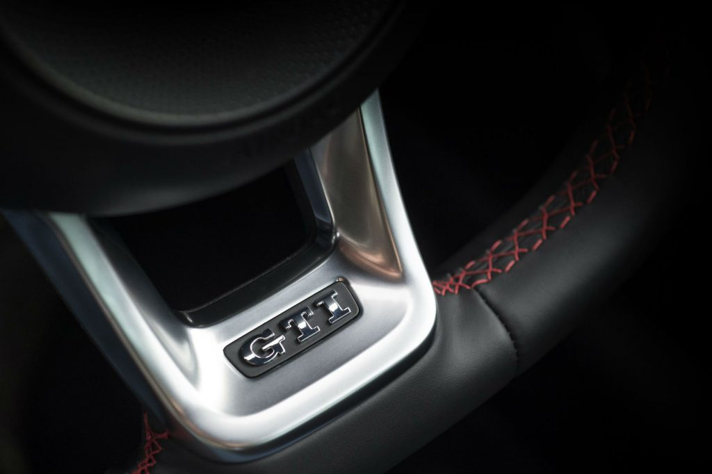 2017 Volkswagen Golf GTi Review Steering Wheel Badge carwitter 1024x682 - VW Golf GTi Review 2017 - VW Golf GTi Review 2017