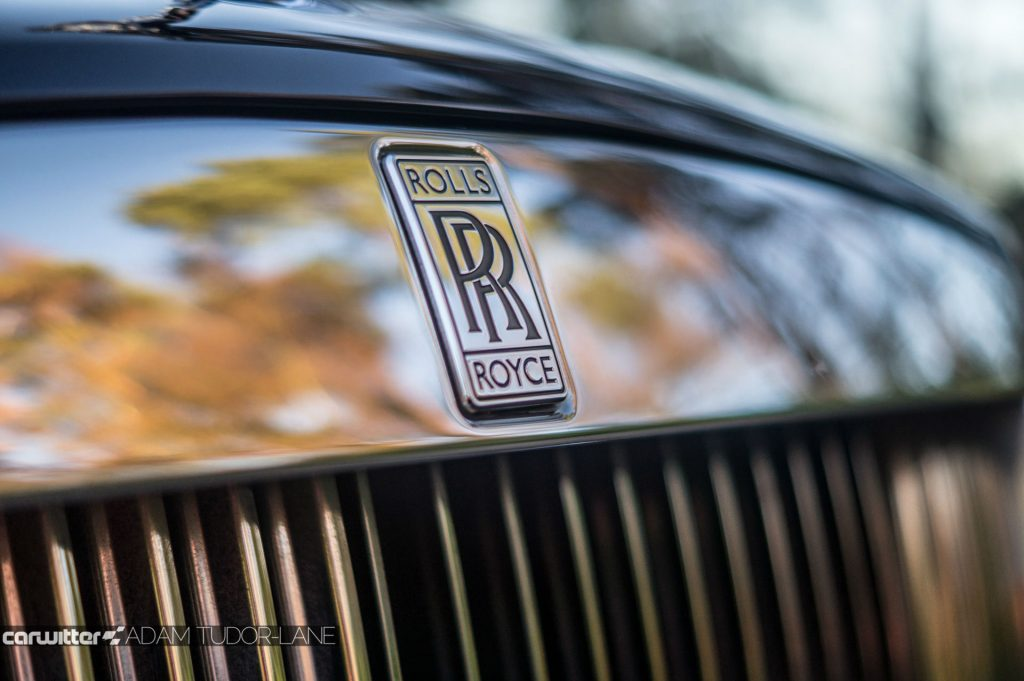 Rolls Royce Dawn Review 2017 Front Badge Close carwitter 1024x681 - Rolls Royce Dawn 2017 Review - Rolls Royce Dawn 2017 Review