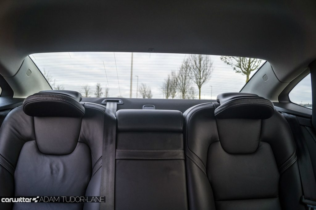 Volvo S90 UK Review Rear Window View carwitter 1024x681 - Volvo S90 Review 2017 - Volvo S90 Review 2017