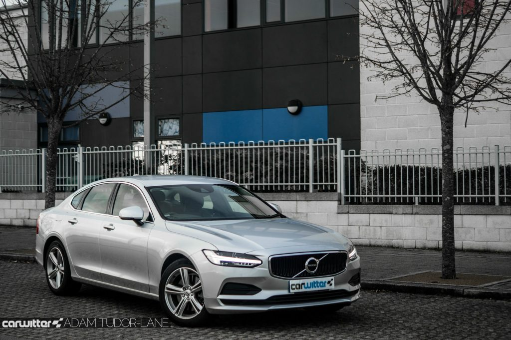 Volvo S90 UK Review Side Angle carwitter 1024x681 - Volvo S90 Review 2017 - Volvo S90 Review 2017