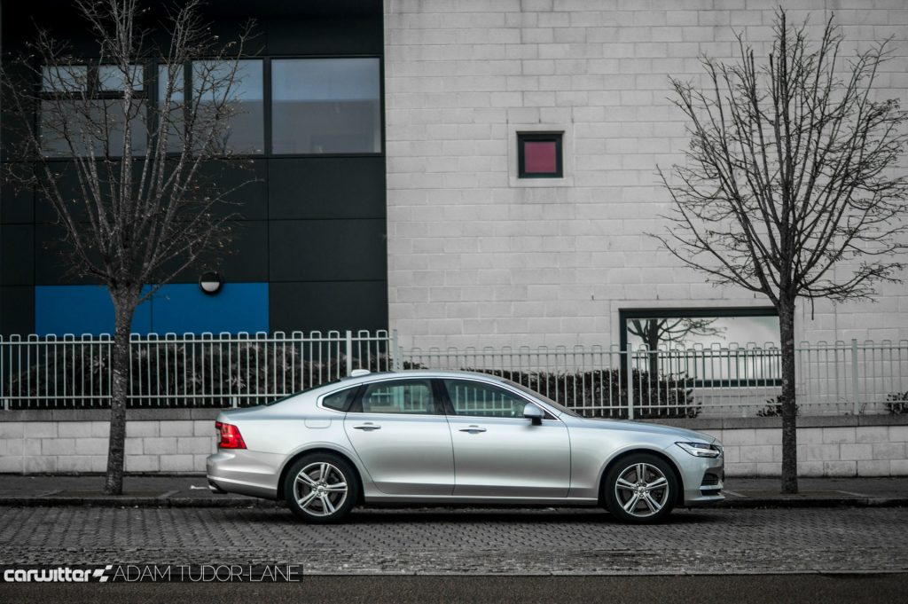 Volvo S90 UK Review Side carwitter 1024x681 - Volvo S90 Review 2017 - Volvo S90 Review 2017