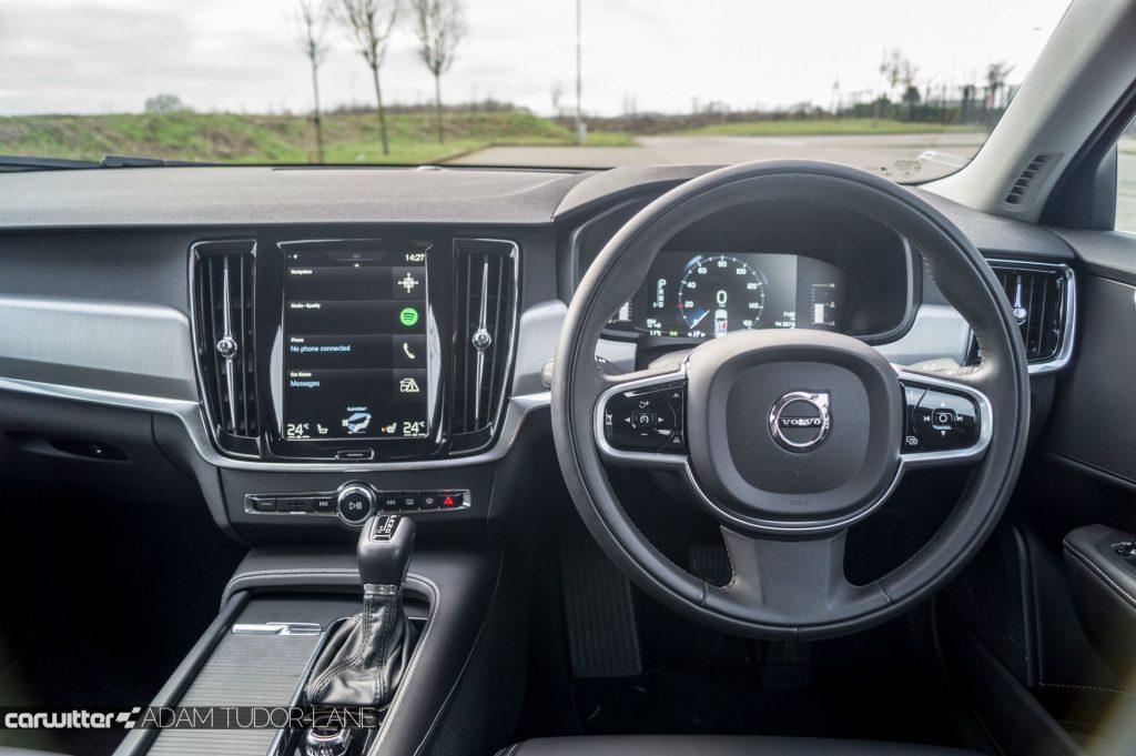 Volvo S90 UK Review Steering Wheel carwitter 1024x681 - Volvo S90 Review 2017 - Volvo S90 Review 2017