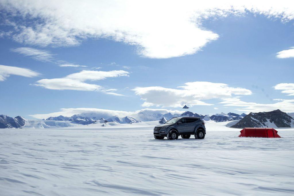 2017 Hyundai Santa Fe Shackleton Antartic Artic Trucks 004 carwitter 1024x683 - Hyundai Santa Fe returns a Shackleton to the Antarctic - SPONSORED - Hyundai Santa Fe returns a Shackleton to the Antarctic - SPONSORED