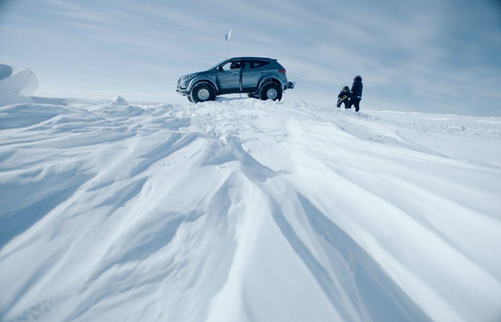 2017 Hyundai Santa Fe Shackleton Antartic Artic Trucks 006 carwitter 1024x659 - Hyundai Santa Fe returns a Shackleton to the Antarctic - SPONSORED - Hyundai Santa Fe returns a Shackleton to the Antarctic - SPONSORED