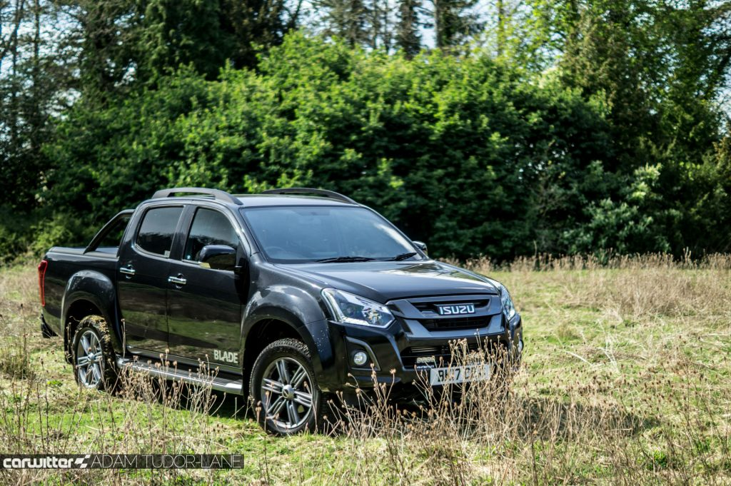 2017 Isuzu D Max Pickup Review Front Angle carwitter 1024x681 - 2017 Isuzu D-Max Review - 2017 Isuzu D-Max Review