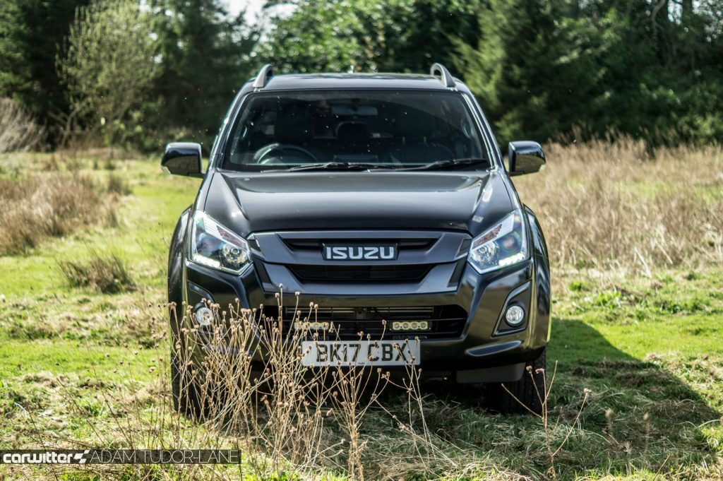 2017 Isuzu D Max Pickup Review Front carwitter 1024x681 - 2017 Isuzu D-Max Review - 2017 Isuzu D-Max Review