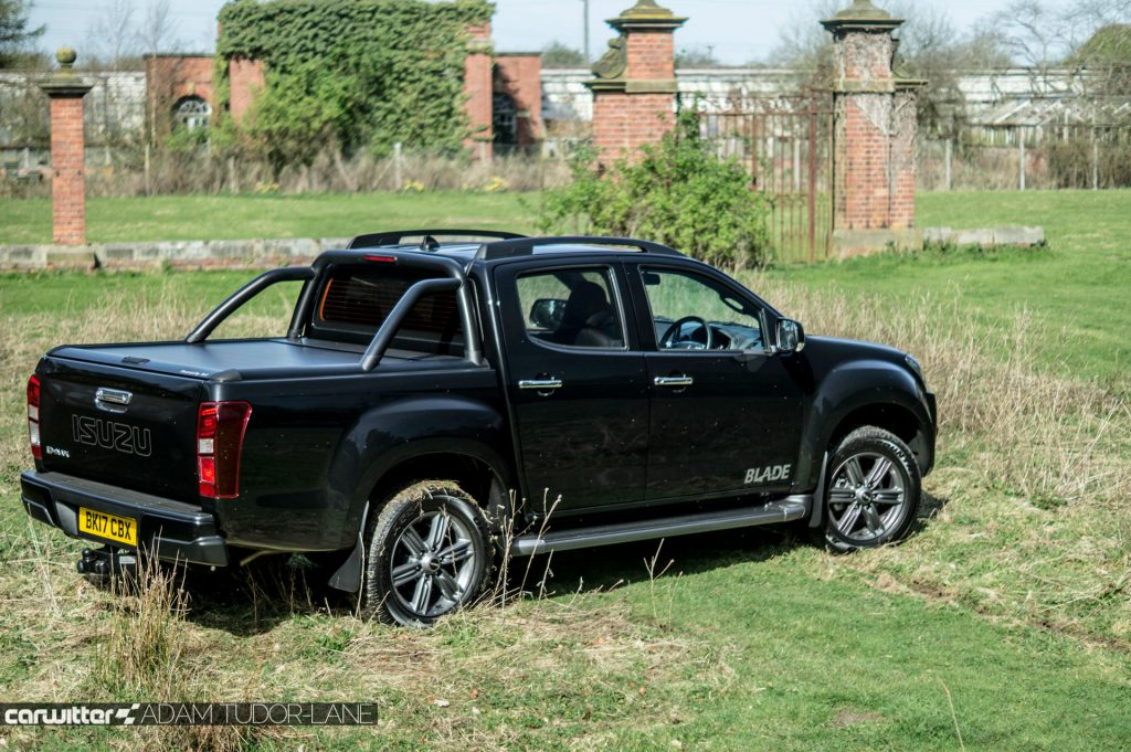 2017 Isuzu D Max Pickup Review Rear Angle carwitter 1024x681 - 2017 Isuzu D-Max Review - 2017 Isuzu D-Max Review