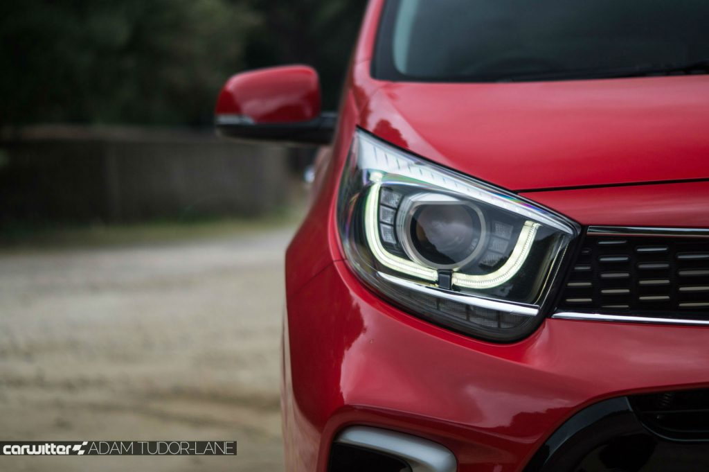 2017 Kia Picanto Review DRL Headlight carwitter 1024x681 - 2017 Kia Picanto Review - 2017 Kia Picanto Review