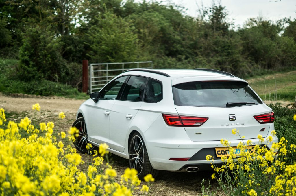 2017 SEAT Leon ST 300 Review Rear Angle carwitter 1024x681 - SEAT Leon Cupra 300 Review - SEAT Leon Cupra 300 Review