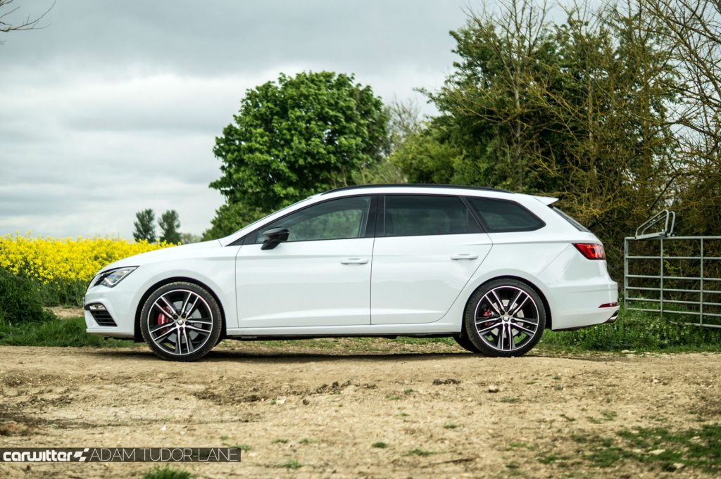 2017 SEAT Leon ST 300 Review Side carwitter 1024x681 - SEAT Leon Cupra 300 Review - SEAT Leon Cupra 300 Review