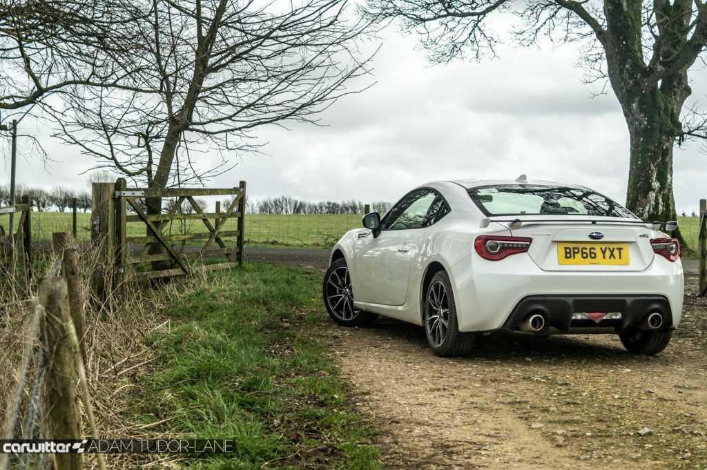 2017 Subaru BRZ Review Rear Angle Scene carwitter 1024x681 - Subaru BRZ 2017 UK Review - Subaru BRZ 2017 UK Review