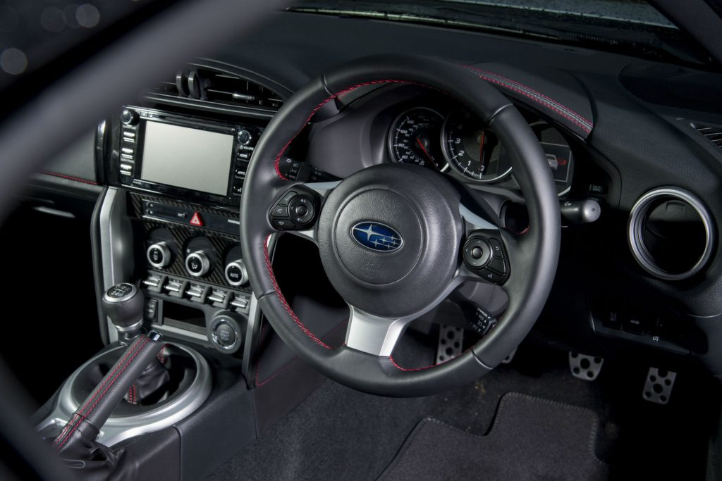 2017 Subaru BRZ Review Steering Wheel carwitter 1024x683 - Subaru BRZ 2017 UK Review - Subaru BRZ 2017 UK Review