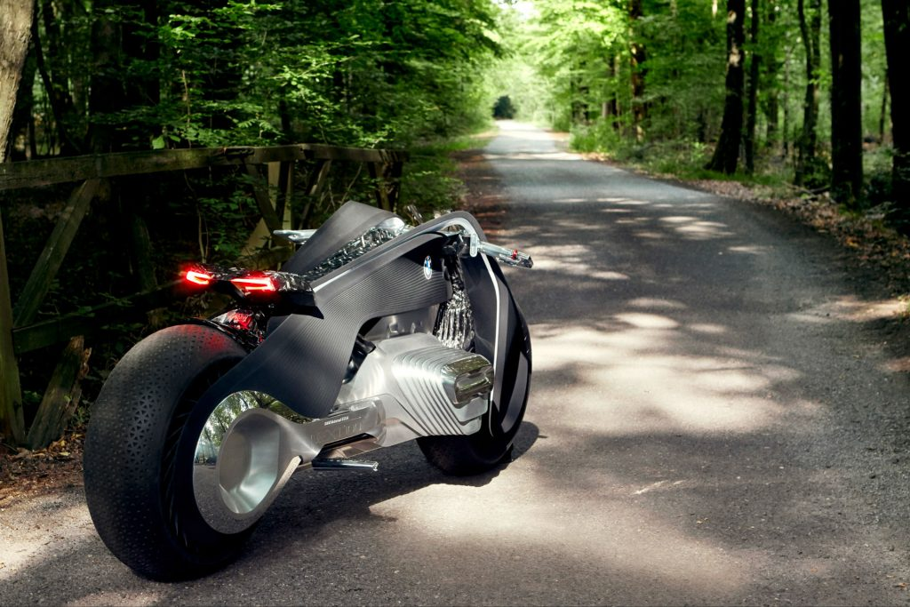 Motorrad Vision Next 100 Rear Carwitter 1024x683 - BMW Wants To Make A Motorbike That Can't Fall Over - BMW Wants To Make A Motorbike That Can't Fall Over