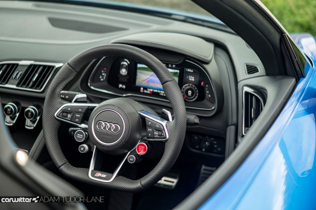 2017 Audi R8 Spyder Review Steering Wheel carwitter 1024x681 - 2017 Audi R8 V10 Review - You don't need the Plus, here's why - 2017 Audi R8 V10 Review - You don't need the Plus, here's why