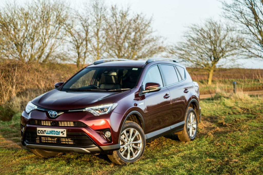 2017 Toyota Rav4 Review Front Angle carwitter 1024x681 - 2017 Toyota RAV4 Hybrid Review - 2017 Toyota RAV4 Hybrid Review