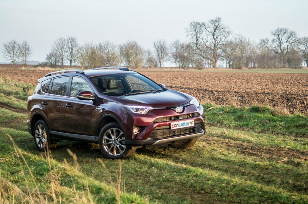 2017 Toyota Rav4 Review Front Right carwitter 1024x681 - 2017 Toyota RAV4 Hybrid Review - 2017 Toyota RAV4 Hybrid Review