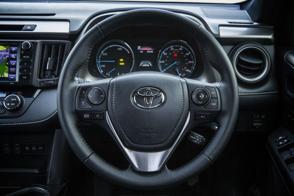 2017 Toyota Rav4 Review Steering Wheel Close carwitter 1024x683 - 2017 Toyota RAV4 Hybrid Review - 2017 Toyota RAV4 Hybrid Review
